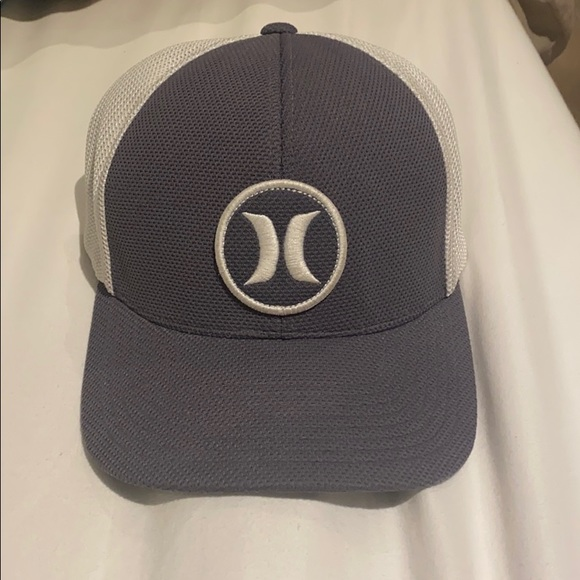 Hurley SnapBack Hat (NWOT, RARE)